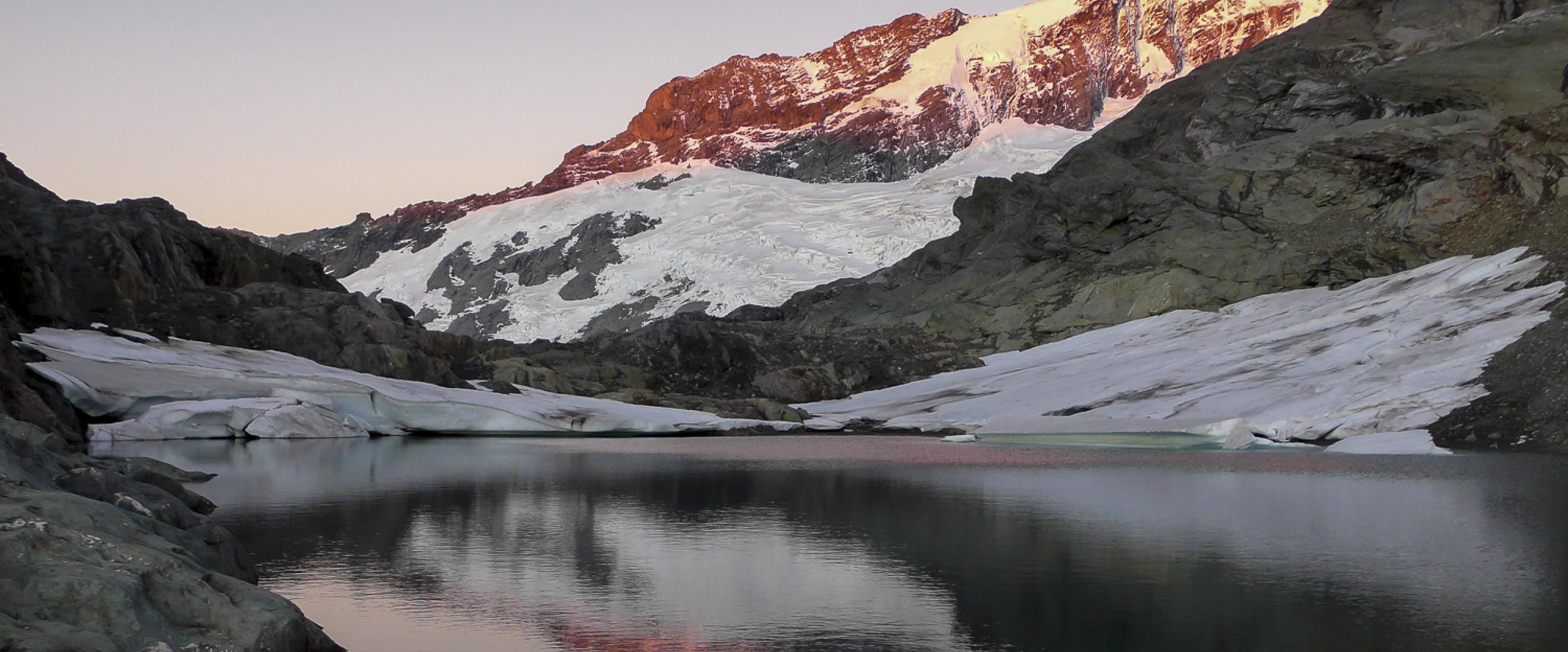 IFMGA, New Zealand Mountain Guides Association, Mt Aspiring National Park, Photography by Gavin Lang